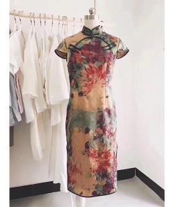 学员昕昕开的虚度工作室做的旗袍